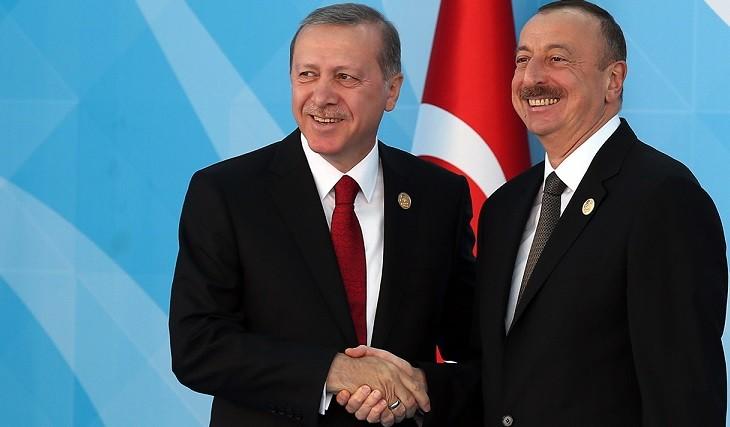 Президент Турции Реджеп Эрдоган и президент Азербайджана Ильхам Алиев. Архивное фото.
