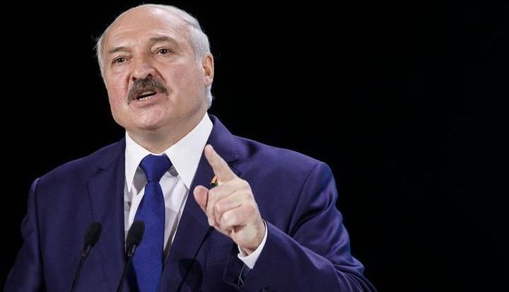Лукашенко посоветовал Макрону не умничать и самому идти в отставку. фото 2