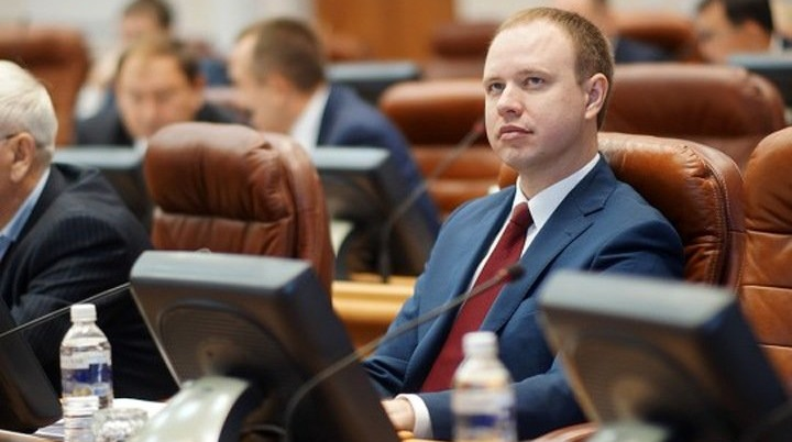 По подозрению в мошенничестве задержали сына экс-губернатора Иркутской области.