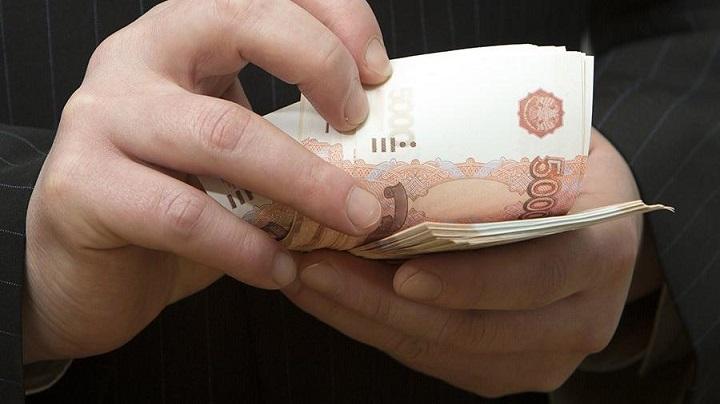 В Саратовской области разыскивают за взятку борца с коррупцией