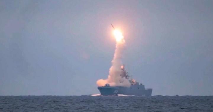 Пуск гиперзвуковой ракеты «Циркон» с борта фрегата «Адмирал Горшков».