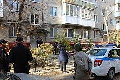 В Саратове мать сбросила с четвертого этажа двух своих дочерей