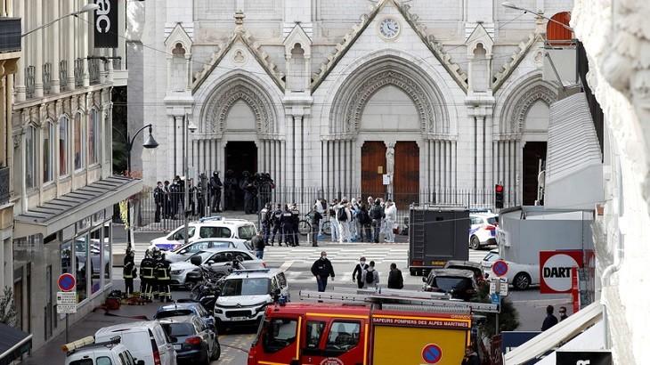 Церковь Нотр-Дам-де-Нис в Нице, у которой произошло убийство людей.