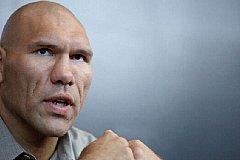 Валуев не против награждения Нурмагомедова, но не званием Героя России