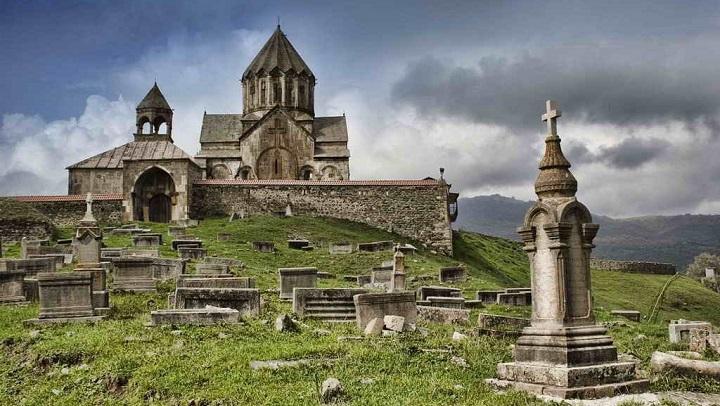 Армянские памятники культуры и религии в Карабахе будут сохранены