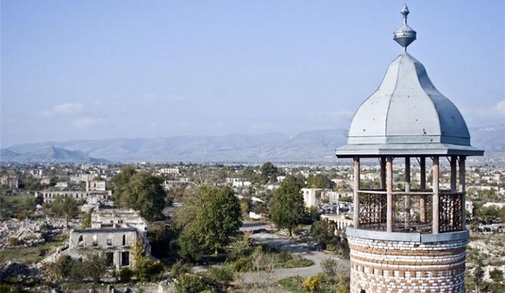 Разрушенный азербайджанский город Агдам.