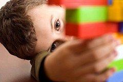 В Петербурге мужчина выбросил с балкона мальчика-аутиста