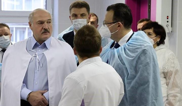 Президент Белоруссии Александр Лукашенко на встрече с коллективом 6-й городской клинической больницы Минска. Фото: ТАСС