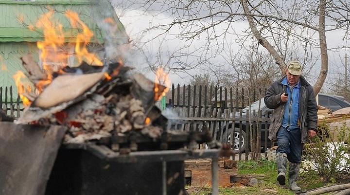 В России будет запрещено разведение костров и сжигание мусора на частных участках
