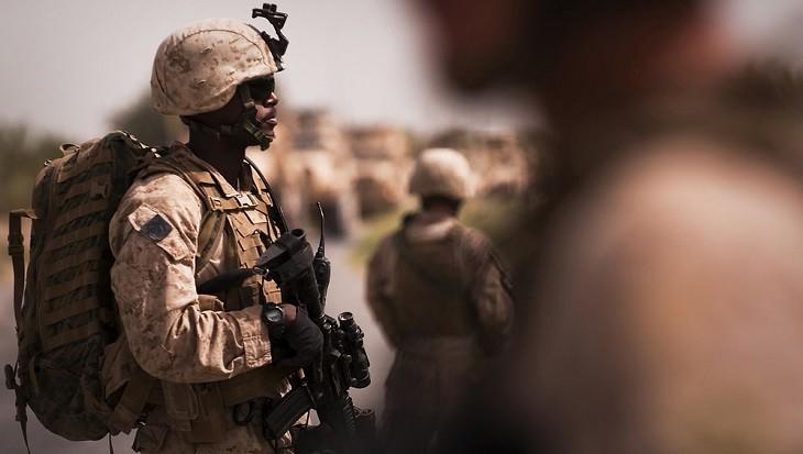 Из-за возможной атаки Ирана усилена боеготовность солдат США фото 2