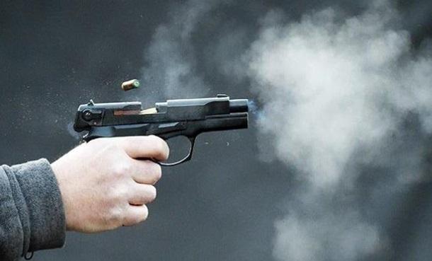 Уходя от погони грабители банка открыли стрельбу и ранили полицейского
