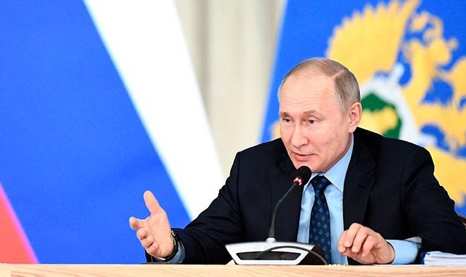 Путин: Прокуроры должны жестко пресекать коррупцию