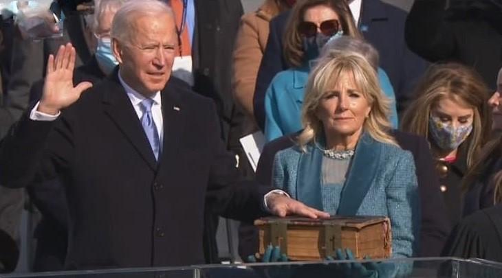 Джо Байден официально принял пост президента США