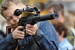 В школах России хотят снова ввести преподавание военной подготовки