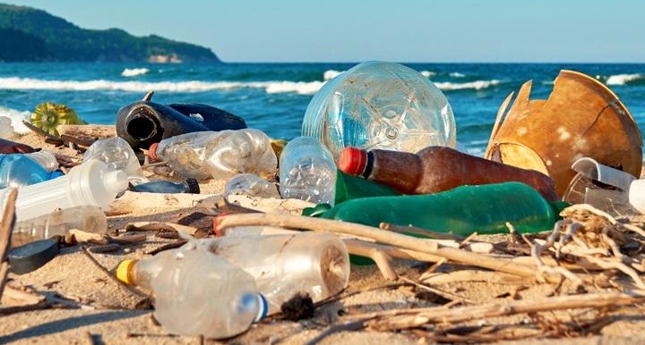 Использование одноразового пластика в России хотят запретить