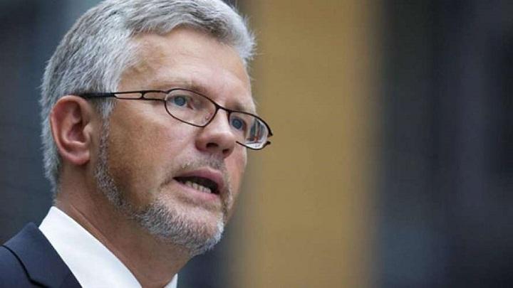 Киев считает, что Германия должна разорвать отношения с Россией и помочь Украине вооружением
