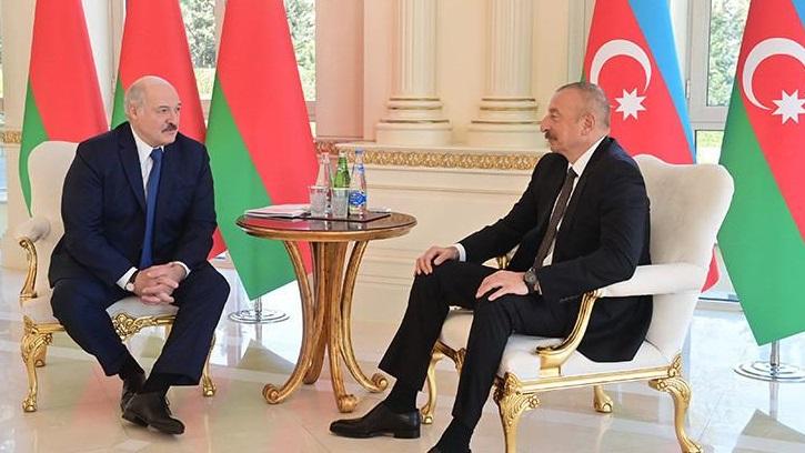 Лукашенко заявил Алиеву о готовности помочь восстанавливать Карабах