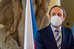 Власти Чехии сократят число российских дипломатов до пяти человек