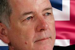 Глава британской разведки заявил о необходимости уважать Россию