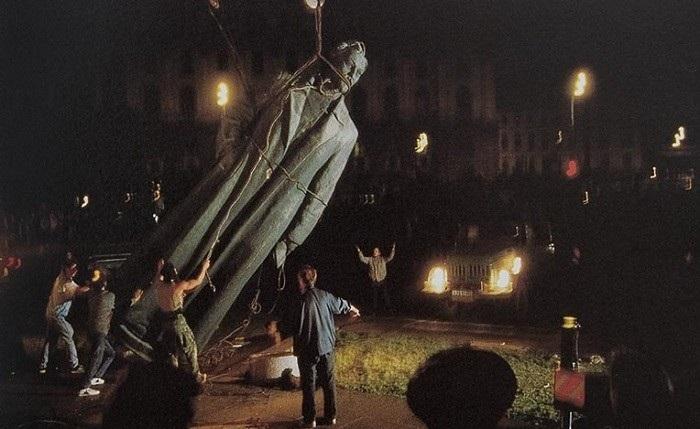 Снос памятника Дзержинскому на Лубянке прокуратура признала незаконным