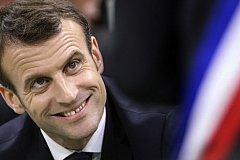 Французская революция началась с пощечин Макрону