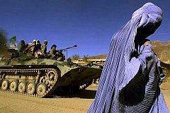 Талибам не понравился приготовленный женщиной обед и они ее сожгли
