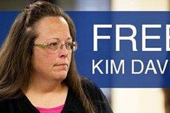 Ким Дэвис выпустили из тюрьмы