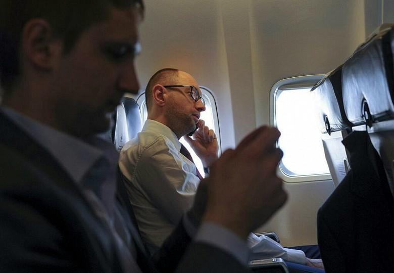 СМИ Польши сообщают о бегстве Яценюка из Украины фото 2