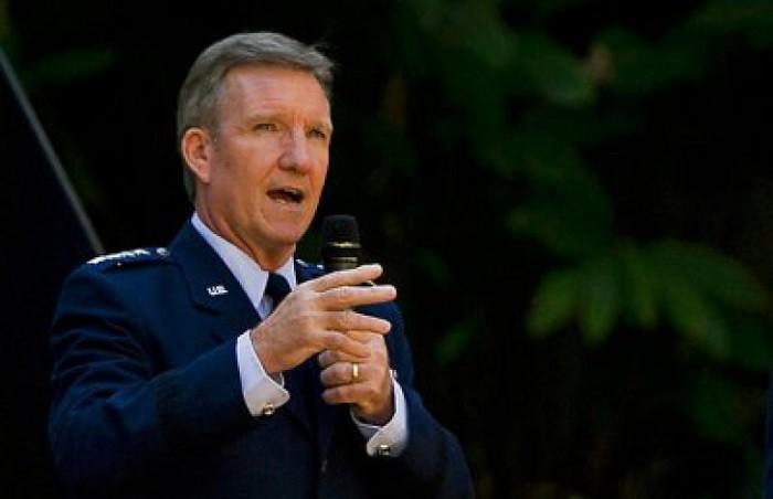Глава Командования военно-воздушных операций Вооруженных сил США генерал Герберт Карлайл