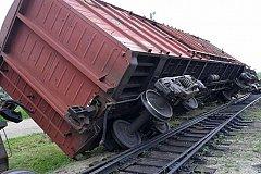 Железнодорожный состав со снарядами сошёл с рельсов на Сахалине