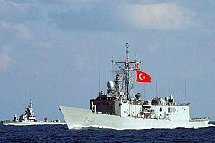 После неудачного мятежа военные корабли Турции не выходят на связь
