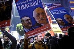 В Турции арестовали или уволили после путча около 50 тысяч человек