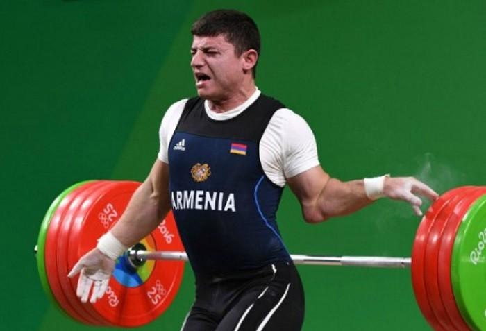 Олимпиада-2016: армянский штангист получил ужасную травму
