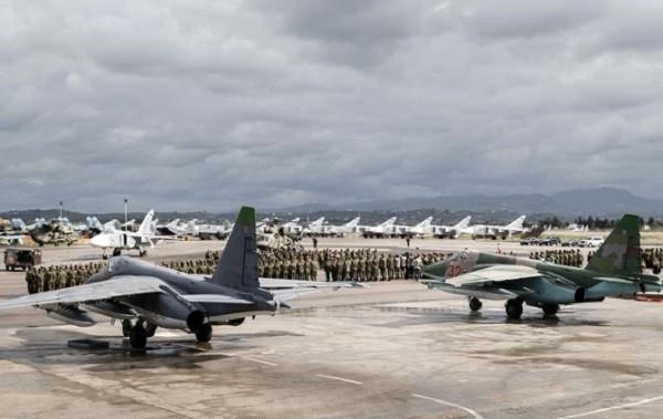 Русские олимпийцы встретились с военнослужащими наавиабазе Хмеймим