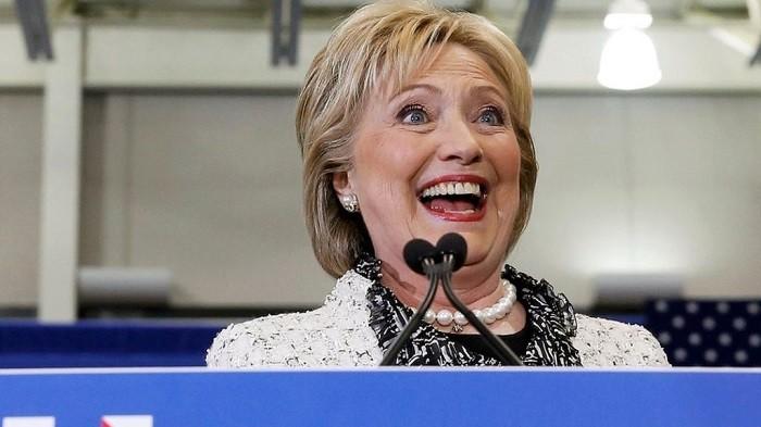 Жителям Америки случайно сказали осмерти Хиллари Клинтон
