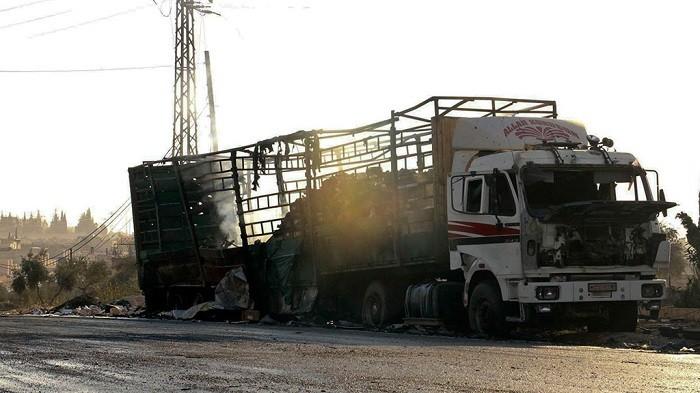 Красный Крест: при обстреле гумконвоя под Алеппо погибло около 20 мирных граждан