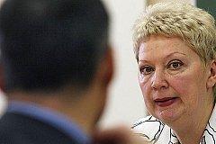 Министр образования РФ хочет вернуть письменные экзамены для поступающих в вузы