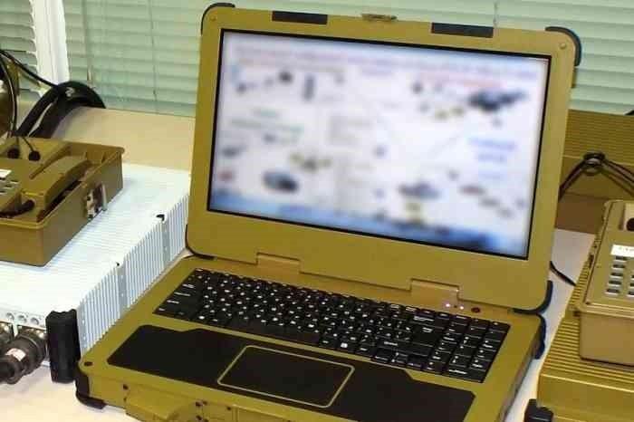 В РФ создали суперпрочный ноутбук для десантников