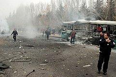 13 человек погибли при взрыве автобуса в Турции