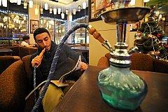 Минздрав намерен добиться запрета на курение кальяна в ресторанах