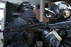 Неизвестный преступник в Губкине взял в заложники несколько человек