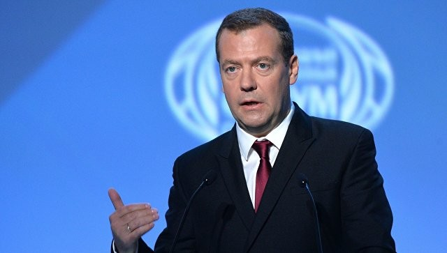 Медведев: Российской Федерации ничего недадут, будут только вставлять палки вколеса