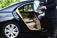 Налоговики для повышения налога обновили список дорогих автомобилей