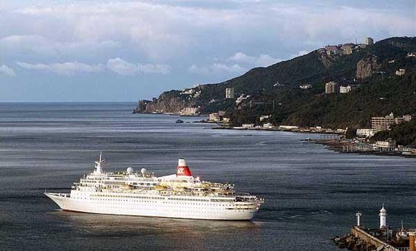 В мае между  Сочи и Крымом запустят круизный лайнер фото 2