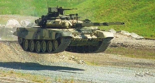 Российский Танк Т-90 в полёте