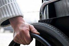 Инвалидам предлагают вакансии грузчика или дворника