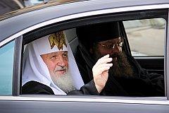 Патриарх Кирилл: Ездить на дорогих авто неприлично!