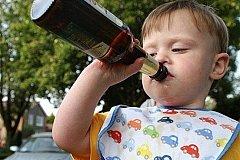Россия - родина пьяных мальчиков. А вы верите в это?