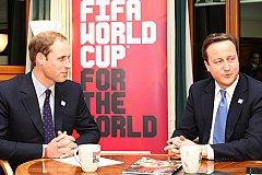 Коррупция в ФИФА. Замешаны ли принц Уильям и Кэмерон?