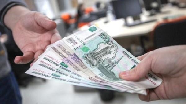 После возмущения Путина рабочим свердловского завода начали выплату зарплат фото 2